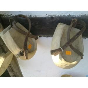 Klumpa - Drewniany but dla konia
